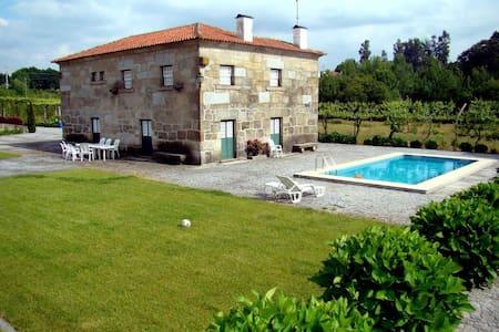 Stone house, 4+2 rooms, pool, garden