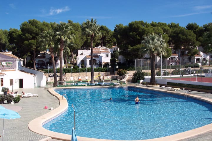 2 bed roomed ground floor apartment - Xàbia - Pis