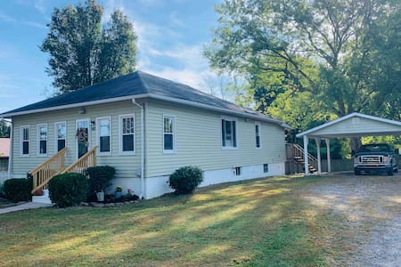 Bungalow on Maple:   New River Gorge