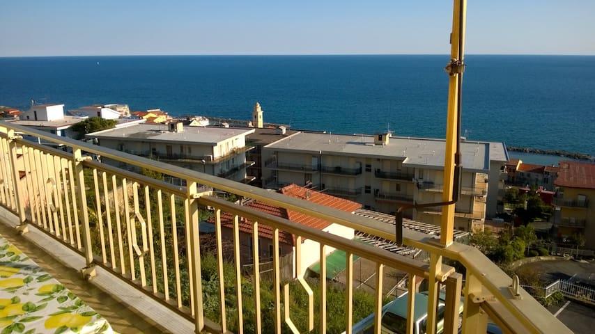 Appartamento vista mare - Santo Stefano al Mare - Apto. en complejo residencial