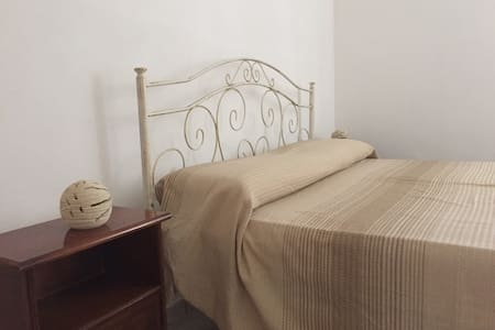 comfortable house with terrace - Acquarica del Capo - 一軒家