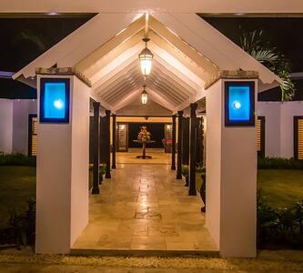 Karma Bay at Tryall | 6 Bedrooms - Montego Bay - Villa