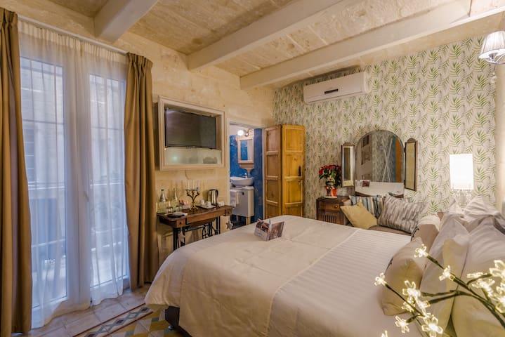 Valletta Premium Room with Balcony (Lulu)
