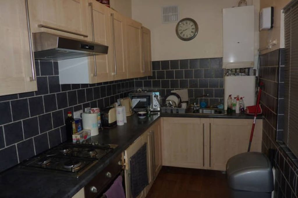shared fully fitted kitchen to use
