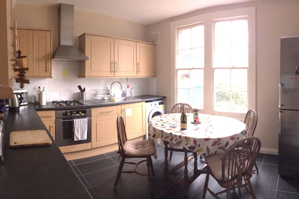 Kitchen/diner. Can sit up to 6 people