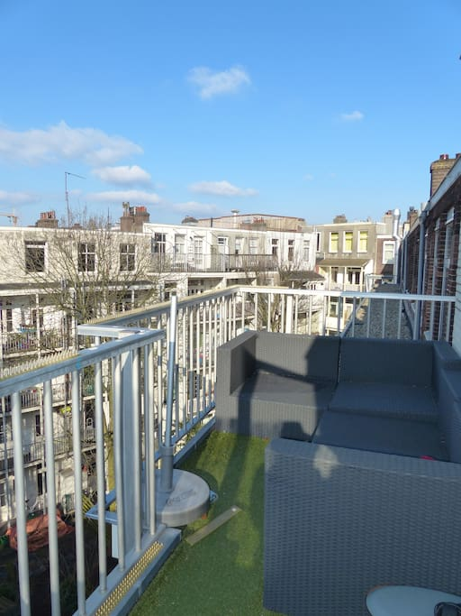rooftopterrace with lots of sun when its shining