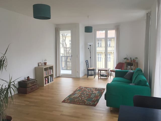 Brand new, bright apartment in Tempelhof