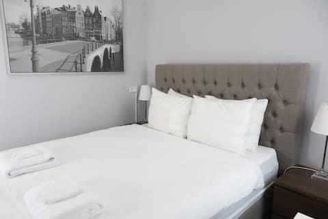Lockable bedroom with shared & bathroom kitchen 1