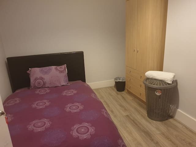 Comfortable double  room with small double bed