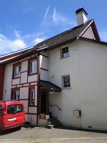 Chnusperhüsli - Schaffhausen - Dům