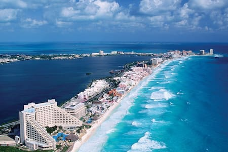 Marzo $25.00 Dlls x 2,  $35 x 4 - Cancún - Osakehuoneisto