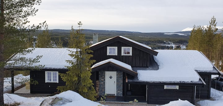 NEW & EXCLUSIVE cabin w/beautiful view and terrace