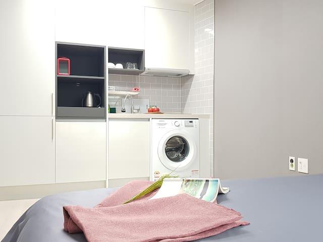 동문시장 도보10분, 공항인근, 삼도이동, 취사/세탁가능  No503 (2 beds)