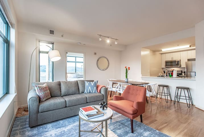 Kasa | Arlington | Luxurious 2BD/2BA Apartment