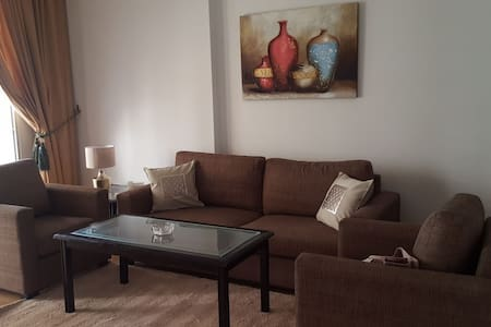 Spacious One Bedroom Apartment in Hamra Center - เบรุต - เซอร์วิสอพาร์ทเมนท์