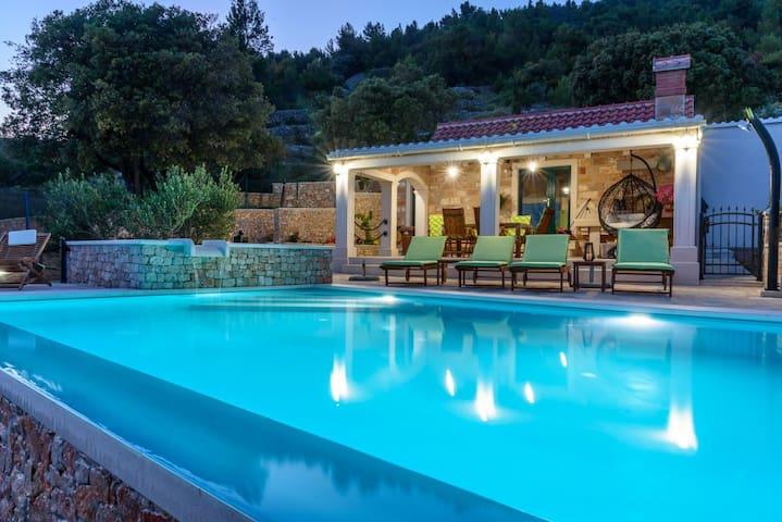 Villa Lucija Bol
