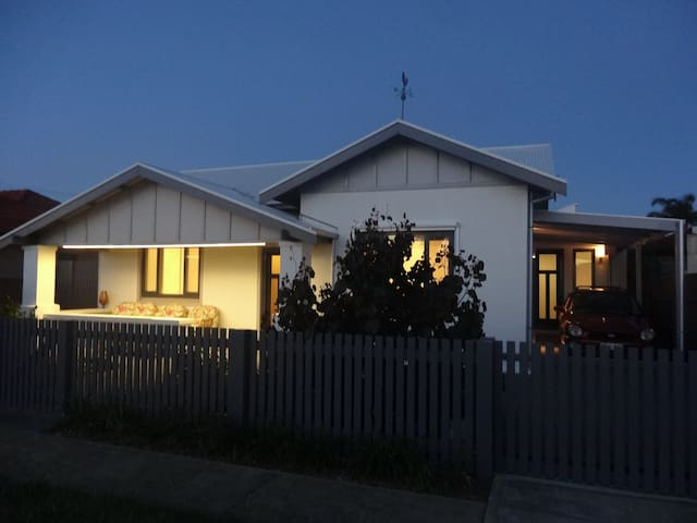 Hazel at Henley - Henley Beach South - House