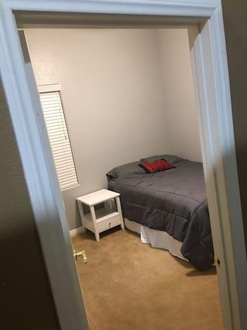 single room on NW side of Las Vegas