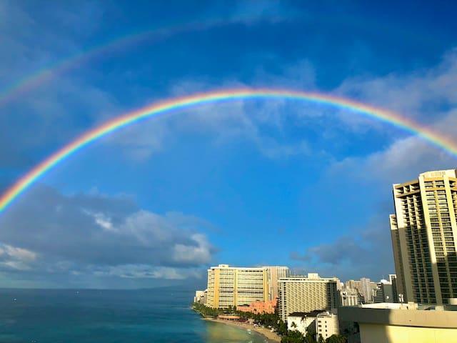 Waikiki, Foster Tower