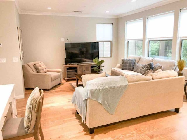 Irvine (尔湾share one bedroom in a great house (102)