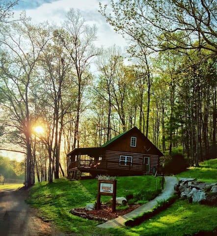 Whitetail Creek Rustic Log Cabins.
