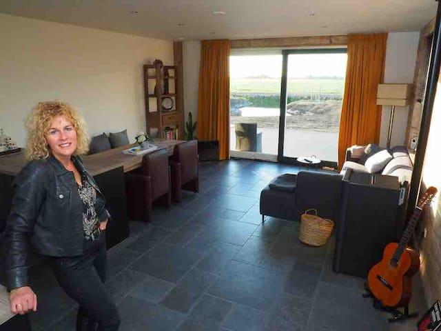 Te huur: Luxe 2 persoons appartement te Oldetrijne