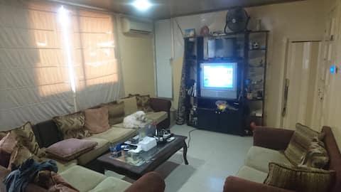 Cozy warm apartment in quite street near Hamra