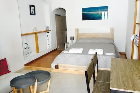 chambre avec salle de bain privée - 波爾蒂芒