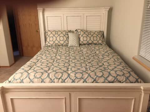 Slim's Place: Clean, Comfortable, Quiet & Safe.