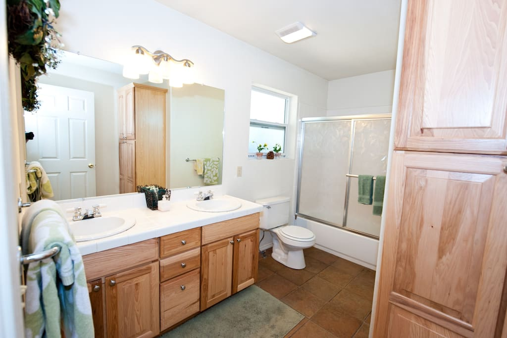 Upstairs bathroom-convenient access from the entry, kitchen and living room.