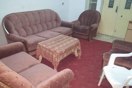 Shared room Near Birzeit Pharm. Co - Ramallah - 一軒家