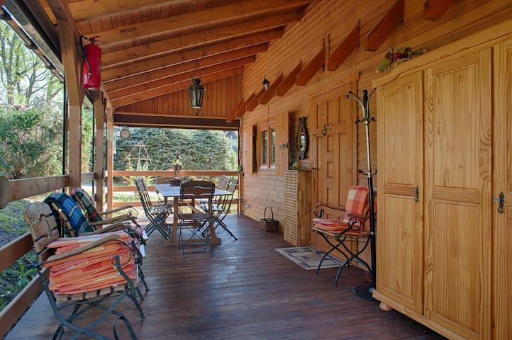 Dom Wakacyjny nad jeziorem - Golczewo - Huis