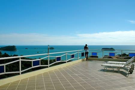 Ocean Luxury Villa, Pool & Jacuzzi