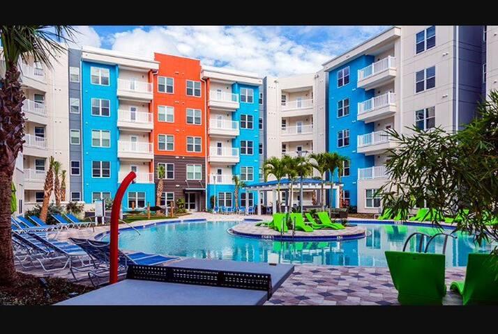 Modern Space. Amenities. Tampa - Tampa - Pis