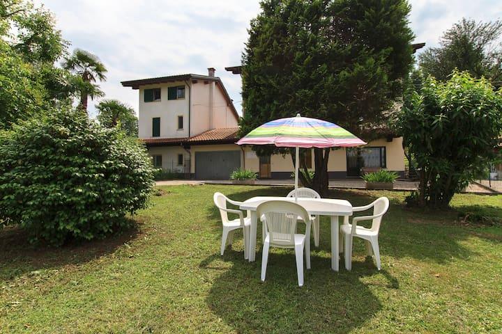 Self-catering apartment in a villa