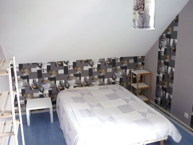 Chambre indivuduelle à l'étage