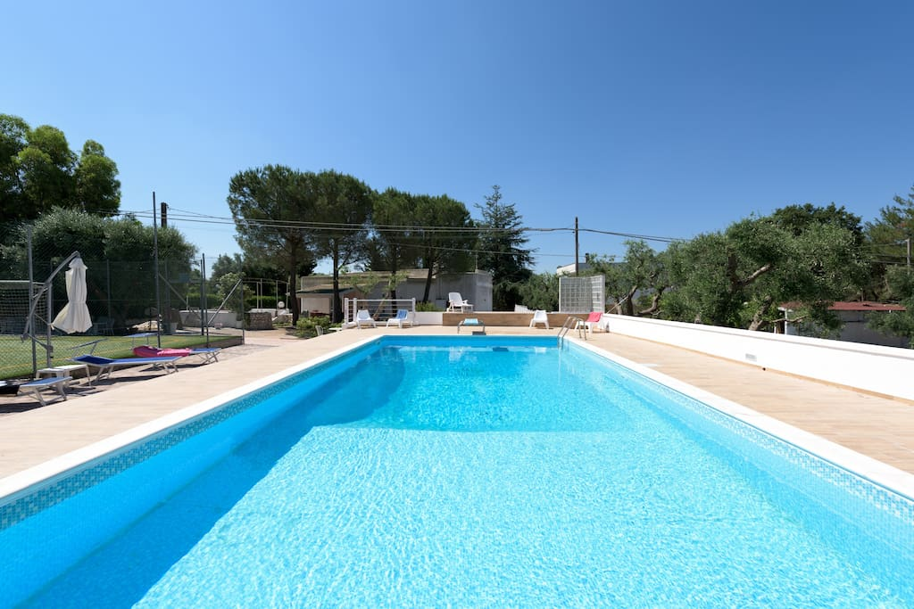 Villa in puglia con piscina e campo da tennis ville in for Aki piscinas hinchables