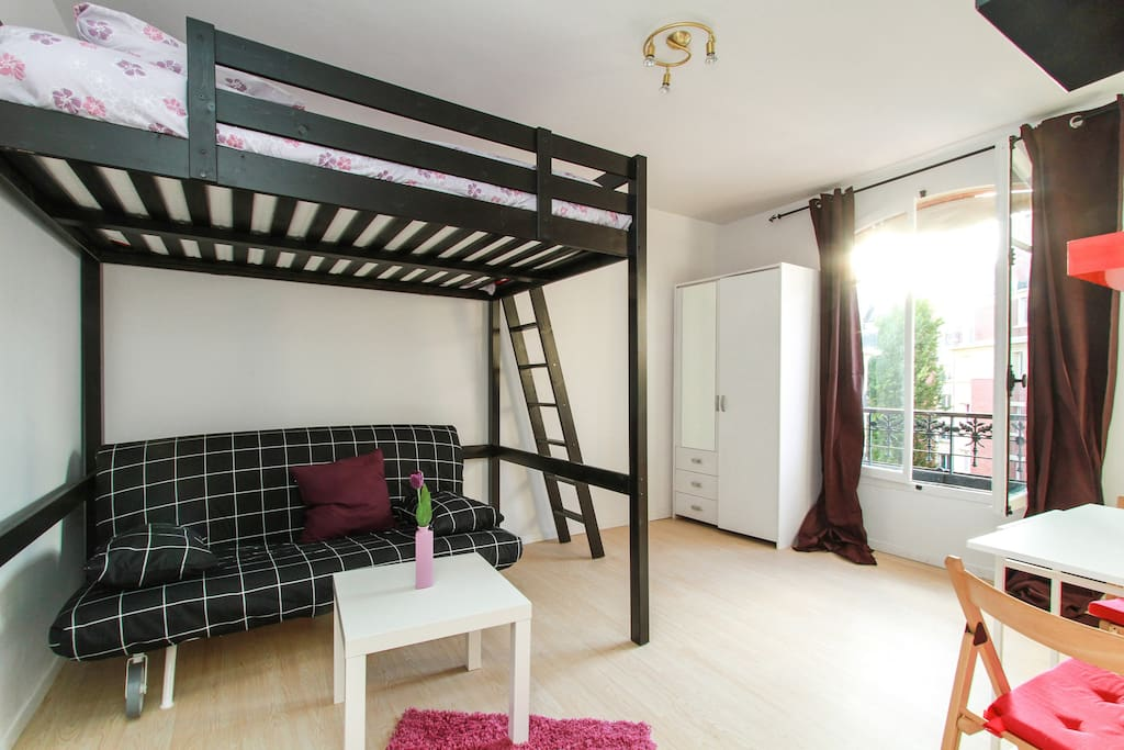 Studio paris place edith piaf 75020 flats for rent in for Living room 75020