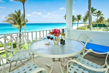 Oceanfront Apartment in Paradise