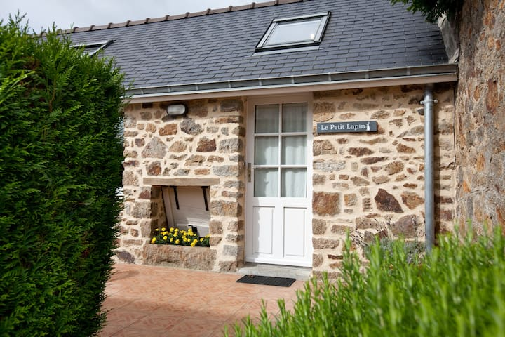 Brittany Cottage near Mt St Michel - Sains - Hus