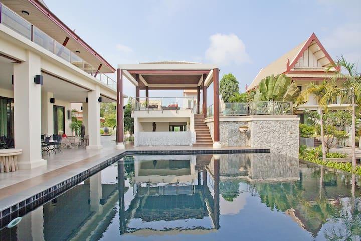 Luxury Pool Villa Black Pearl - 芭達雅 - 別墅