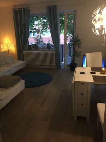Sanierte Wohnung nahe der Alster - Hamburg - Apartment