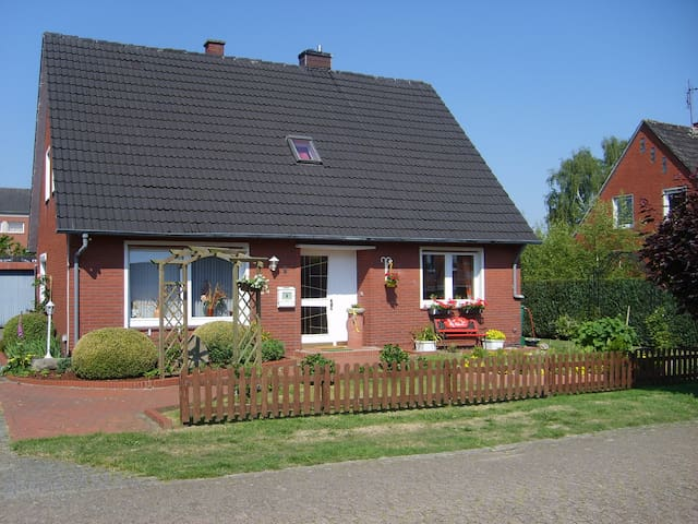 Haus Helena,B&B, 1 persoonskamer - Börger - Bed & Breakfast
