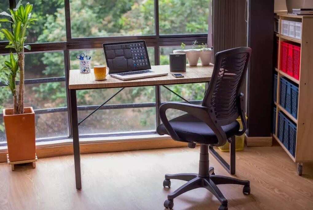 Work Space - Comfortable & Fresh