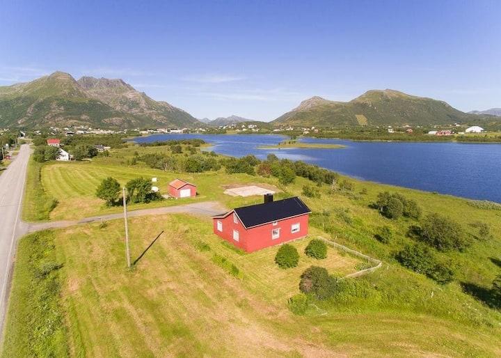 """Huset på """"prærien"""" i Bø i Vesterålen, Nordland"""