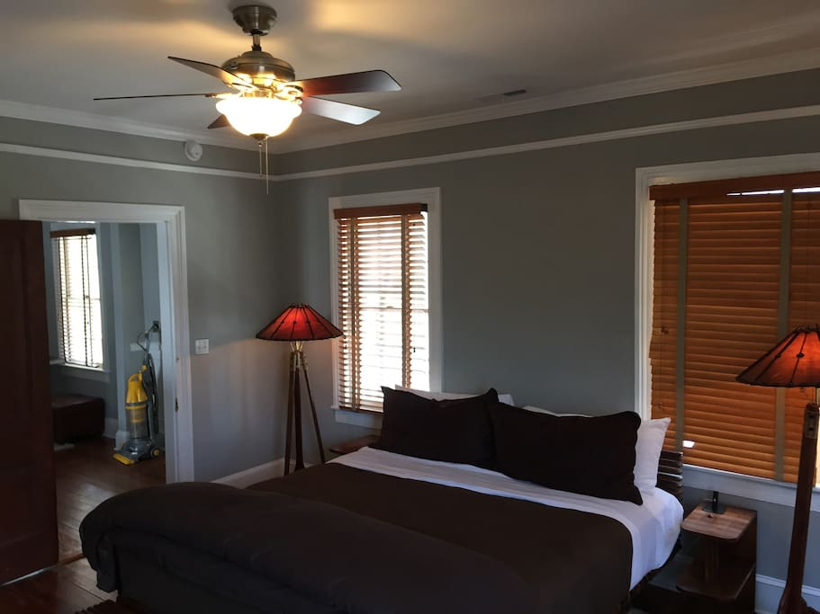 2 Bedroom Luxury Apartment Downtown Apartments For Rent In Charleston South Carolina United