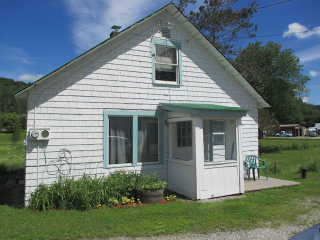 Apple Branch Guest House