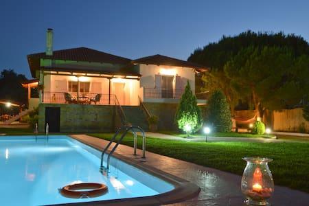 Villa Dimeon  paralia kalamakiou - Paralia Kalamakiou - House