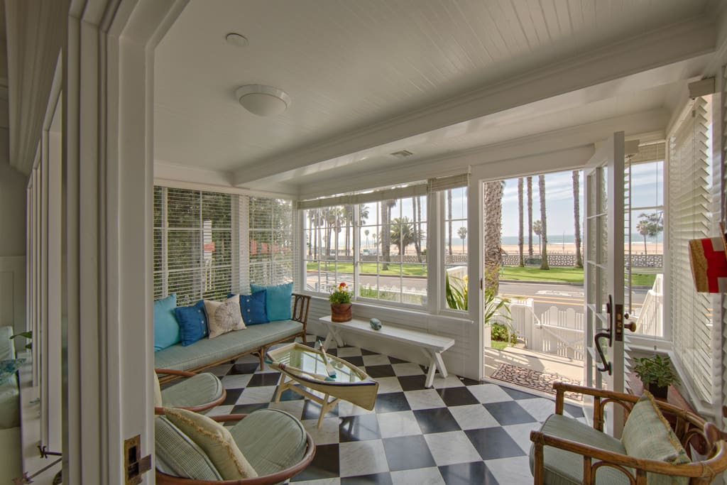 The cottage santa monica 4bd home villas for rent in for House sitting santa monica