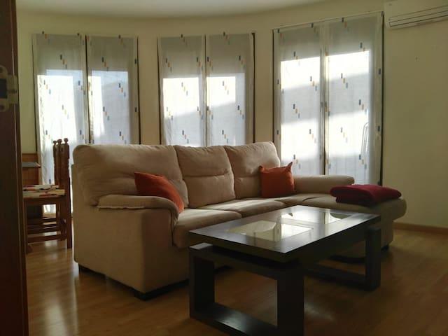 Casa acojedora La Zubia,Granada (10'del centro)